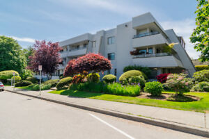 WHITE ROCK 2bd. 1 ba 774 sq ft Condo FOR SALE OPEN HOUSE