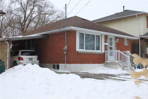 A MUST SEE GORGEOUS  UPPER UNIT 2BED, 1 BATH, GREAT LOCATION