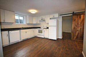 Gorgeous, fully renovated 2 bed + office/den!