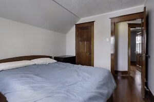 Students: Nice rooms at downtown Kitchener core (Victoria/King)
