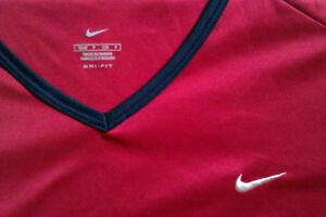 Nike, Ladies DRI-FIT long sleeved top