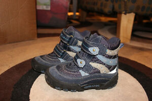 Boys GEOX winter boots London Ontario image 2