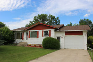 FOR SALE - 3 Bed Home In Killarney One Block From School or Lake