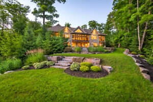 Executive Estate in Prestigious Woodland Heights