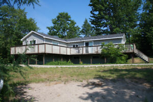 House for rent on Muskoka River from Dec to April