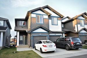 IMMACULATE townhouse in West side Edmonton - with garage!
