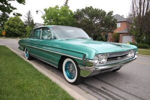 ***CLASSIC CAR**** 1961 OLDSMOBILE 98 HOLIDAY