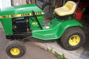 REDUCED - John Deere 116 Lawn Tractor