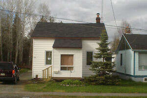 HOUSE FOR SALE 11/2 SPLIT WITH ANOTHER ROOM IN BASEMENT