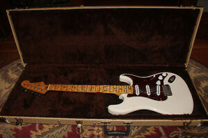 "Custom ""Pinebox"" Stratocaster"