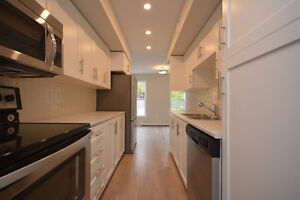 Townhouse Avaliable October 1 in Bedford