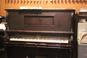 Free - Devonshire Heintzman Vintage Player Piano, 8 music rolls