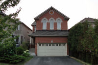 Beautiful 4 Bedroom House In Richmond Hill For Sale !!!