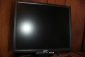 "17"" ACER Computer Monitor Excellent Condition"
