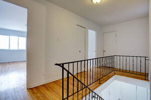 STUNNING! RENOS! 3 LEVEL TOWNHOUSE FOR RENT (2&3 BEDROOMS AVAIL West Island Greater Montréal image 2
