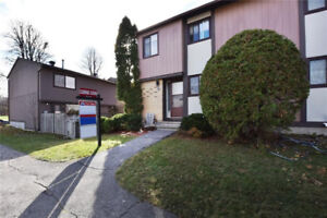 Beautiful townhouse condo in Orleans for sale!
