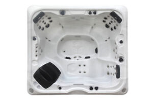 Alberta SE 57 Jet 6 Person Hot Tub *DEMO*