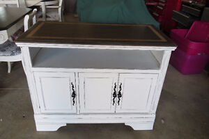 Shabby Chic Sideboard/Entertainment Stand