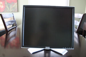"""Dell 19"""" Display Model 1907FPT Monitor"""