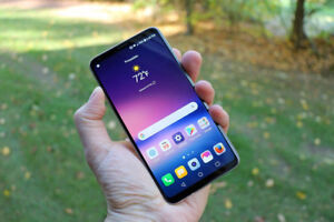 LG V30 with Micro SD Card