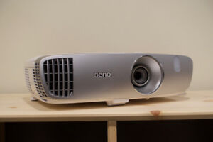 BenQ HT2050A 1080P 3D Projector - less than 50 hours bulb usage