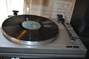20% OFF TURNTABLES / RECORD PLAYERS TODAY AT  VINTAGE & VINYL!!! Windsor Region Ontario image 1