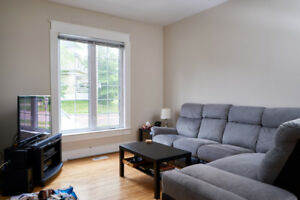 4 Bedroom Duplex, close to downtown