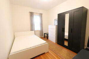 Furnished bdr  - Dundas/Beatrice - Trinity Belwood Park