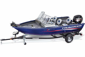 Pro Guide™ V-16 WT w/ 60 ELPT FourStroke and Trailer