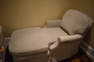 Comfy Modern Chaise Lounge- LIGHT GREEN