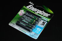 4X ENERGIZER-BATTERIES/RECHARGEABLES BATTERIES (NEUF/NEW)