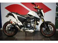 2016 KTM 690 DUKE BRAND NEW WITH LOTS OF EXTRAS!