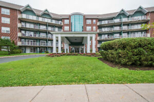 Large condo with view of Belcher's Pond! - BDR