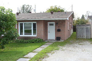 Move right in to this Affordable Semi 129,900 !!!
