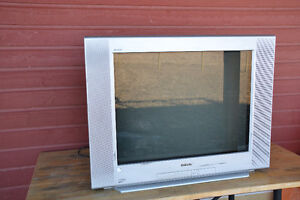 "SONY 32"" Trinitron TV - FREE + we'll deliver Whitehorse area!"