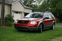 2005 Ford FreeStyle/Taurus X SE VUS