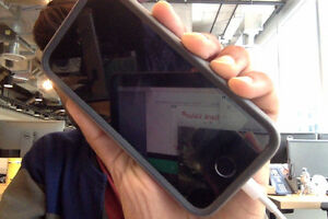 Unlocked Iphone 5s in Great Condition-16GB
