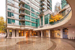 "★""The Classico"" - Functional 2 BR in Coal Harbour★"