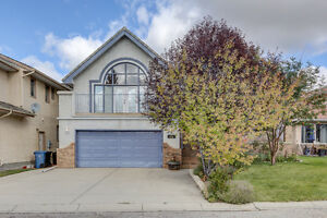 Incredible Value in Edgemont - 6 bedrooms, 4 bathrooms Big House