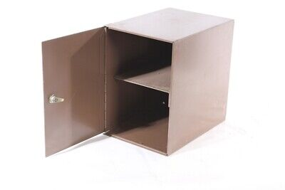 Alter Metall Cupboard Workshop Tool Cabinet Safe Locker Industry Design