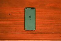 Mint Condition 32 gb iPod touch $200