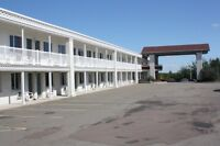 81 room motel, meeting room, pool, restaurant(non-operating)