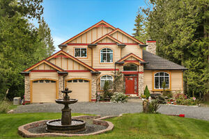 Waterfront Luxury with Beach Access, Custom-built
