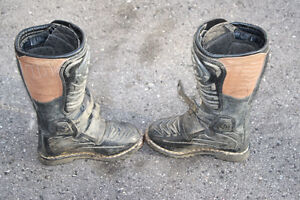 size 6 dirtbike boots London Ontario image 6