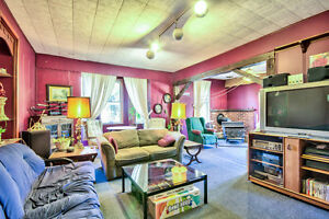 Very Spacious Family Home! Stratford Kitchener Area image 4