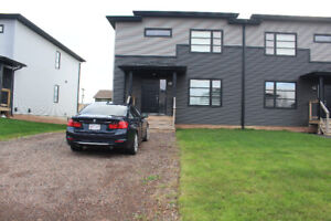 Modern Semi-detached For Rent/4 Bedrooms with finished basement
