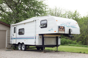 NEW PRICE : 1997 PROWLER   24L5C.  24 FT 5TH FIFTH WHEEL TRAILER
