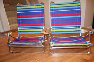 Mini-Sun Chaise Folding Beach Arm Chair, Multi Stripe with strap