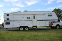 29 1/2' Fifth Wheel - 2002 297 Layton Scout by Skyline
