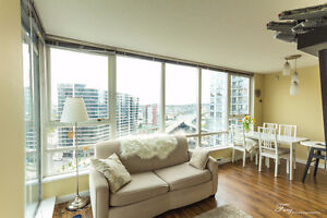 2 BR Yaletown Corner Suite with Amazing View - Newly Furnished